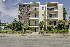More Details about MLS # 40697406 : 1221 BRIGHTON AVE #9