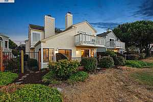 More Details about MLS # 40786600 : 107 BAY PARK TER