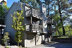 MLS # 40819953 : 105 ASCOT CT UNIT A