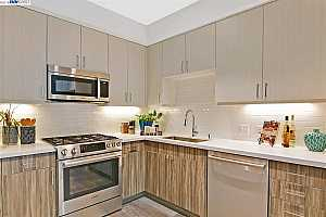 MLS # 40824975 : 1874 BONANZA ST. UNIT 10