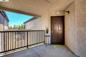 MLS # 40831328 : 21103 GARY DR UNIT 403A