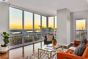MLS # 40837009 : 222 BROADWAY UNIT 805