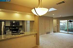 MLS # 40843568 : 1722 SAPLING CT UNIT A
