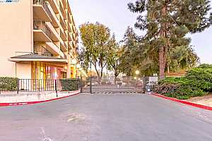 MLS # 40853402 : 3909 STEVENSON BLVD UNIT 405