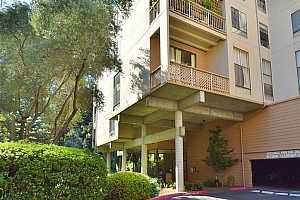 MLS # 40860632 : 320 CIVIC DR UNIT 102