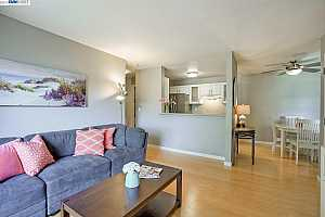 MLS # 40864938 : 4036 ABBEY TER UNIT 206
