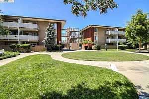 MLS # 40871016 : 2755 COUNTRY DR UNIT 311