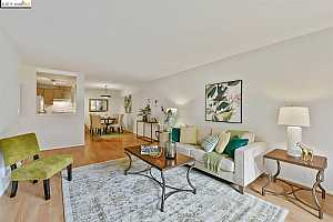 MLS # 40881954 : 407 ORANGE ST UNIT 102