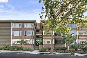 More Details about MLS # 40886363 : 2601 COLLEGE AVE #107