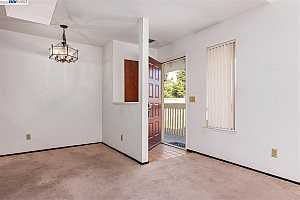 More Details about MLS # 40896294 : 4515 MELODY DRIVE #8