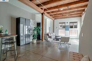 More Details about MLS # 40903124 : 3110 ADELINE STREET #115