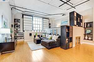 More Details about MLS # 40917583 : 247 4TH ST #206