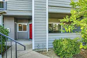 More Details about MLS # 40918260 : 108 ANDERLY CT #3