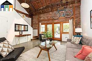 More Details about MLS # 40920366 : 373 40TH ST #3