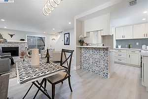 More Details about MLS # 40928946 : 710 KINO CT #2