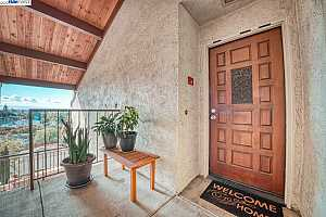 More Details about MLS # 40928957 : 22012 SEVILLA RD #86