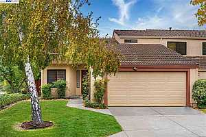 More Details about MLS # 40929347 : 1 SAPPHIRE CT