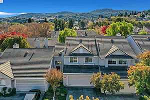 More Details about MLS # 40930351 : 11527 STREAMBED PL
