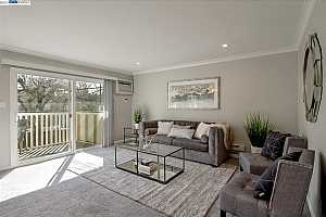 More Details about MLS # 40937577 : 2180 GEARY ROAD #18