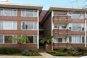 MLS # 40939078 : 2601 COLLEGE AVE #210