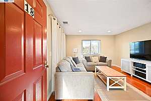 More Details about MLS # 40942407 : 2450 WALTERS WAY #18