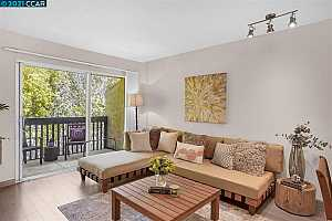 More Details about MLS # 40943764 : 1060 OAK GROVE RD #38