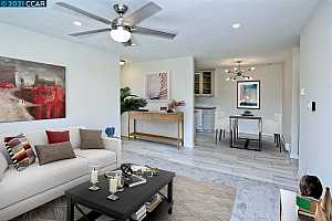 More Details about MLS # 40944379 : 100 KINROSS DRIVE #4