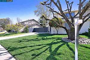 MLS # 40944973 : 16 MARQUES CT