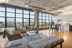 More Details about MLS # 40945366 : 737 2ND ST #207