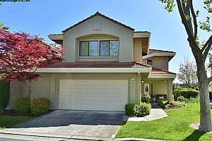 MLS # 40946398 : 748 LAKEMONT PLACE #9
