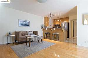 More Details about MLS # 40948986 : 1428 MADISON ST #208