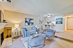 More Details about MLS # 40949906 : 38730 AURORA TER