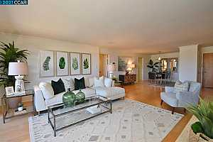 More Details about MLS # 40951251 : 1401 WALNUT ST #2A