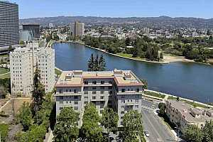More Details about MLS # 40951954 : 200 LAKESIDE DR #403