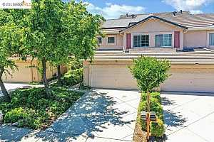 More Details about MLS # 40953197 : 1714 NANDINA WAY