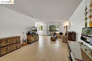More Details about MLS # 40954012 : 288 WHITMORE ST #214 B