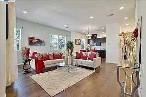 More Details about MLS # 40954328 : 5848 CRESPI WAY