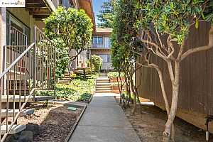 MLS # 40955495 : 3800 MAYBELLE AVE #3