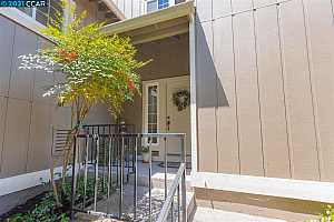 More Details about MLS # 40956345 : 940 KIMBERLY CIRCLE