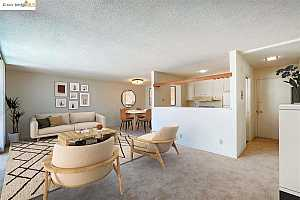 More Details about MLS # 40956617 : 811 YORK ST #236