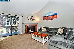 More Details about MLS # 40957532 : 771 CENTER AVE