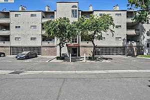 More Details about MLS # 40958214 : 1234 STANHOPE LN #370