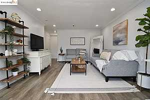 More Details about MLS # 40958349 : 325 LENOX AVE #102