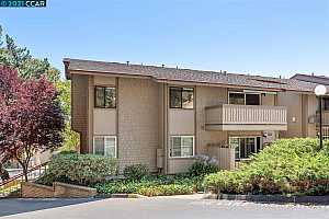 More Details about MLS # 40958855 : 101 KINROSS DR #18