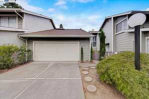 More Details about MLS # 40959350 : 2225 HEATHROW PL