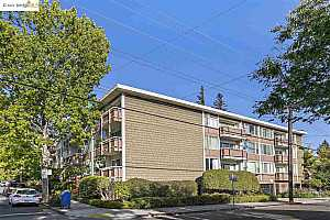 More Details about MLS # 40960542 : 2601 COLLEGE AVE #306