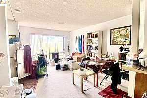 MLS # 40961208 : 4 ADMIRAL DR. #443