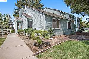 More Details about MLS # 40964507 : 2730 WINDING LN