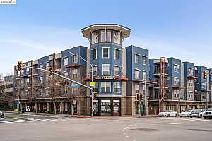 More Details about MLS # 40965291 : 1121 40TH STREET #1305