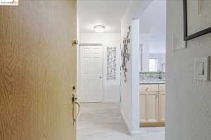 More Details about MLS # 40965937 : 466 CRESCENT ST #108